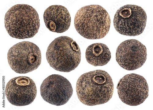 Fototapeta Allspice isolated on white background closeup. Black pepper collection obraz