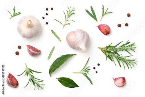 Obraz Garlic, Rosemary, Bay Leaves, Allspice and Pepper Isolated on White Background - fototapety do salonu