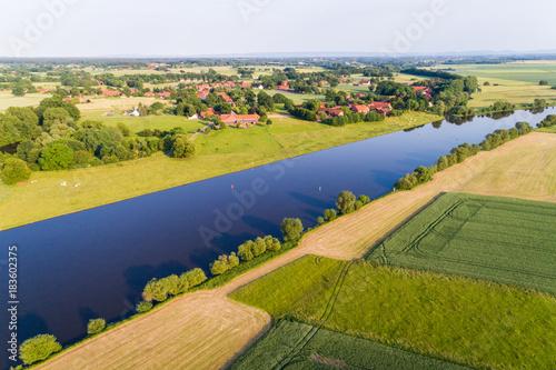 Fluss Weser in Norddeutschland Fototapete