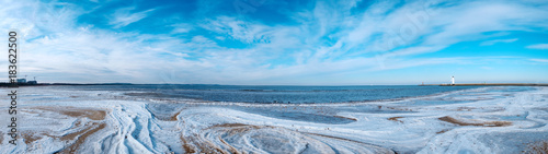 Photo  Panorama des Strandes von Swinemuende/Polen im Winter