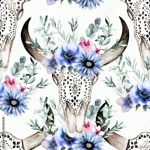 akwarela-glowy-byka-z-kwiatami-i-ziolowych-bez-szwu-desen-recznie-rysowane-ilustracji