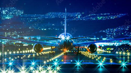 Photo 滑走路と飛行機,夜景