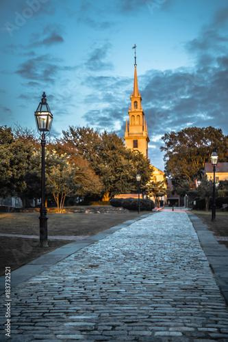 Cuadros en Lienzo newport rhode island city streets in the evening