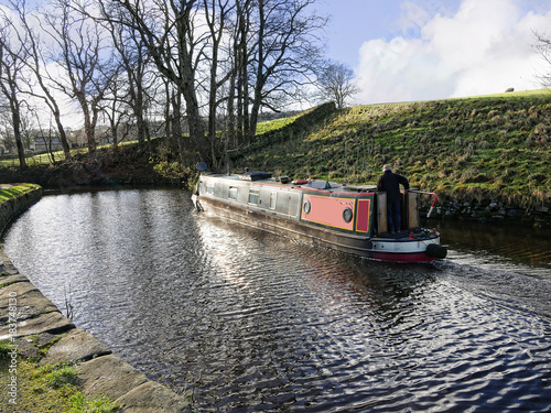 Tablou Canvas The Leeds Liverpool Canal at Salterforth in the beautiful countryside on the Lan