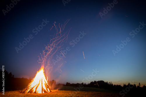 Photo Bonfire at night