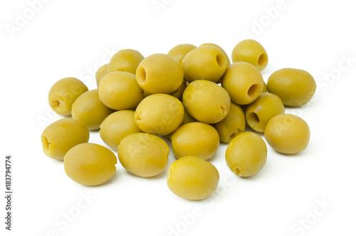 Fotografía  Grüne Oliven auf weißem Hintergrund