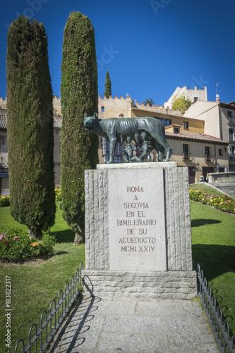 Fotografija  La loba Capitolina, Rómulo y Remo (Segovia)