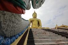 Outdoor Buddhists Respect Buddhahood.