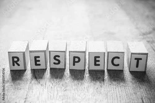 Cuadros en Lienzo  concept mot formé avec des lettres en bois - Respect