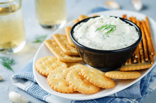 Feta Cream Cheese Dill Garlic Dip With Crackers