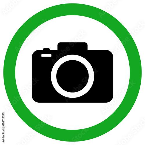 Fotografía  CAMERA ALLOWED ZONE sign. Green circle. Vector icon.
