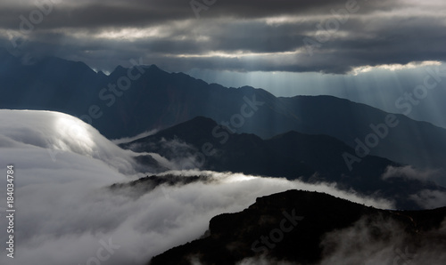 Photo  sea of clouds on the Cattle Back Mountain