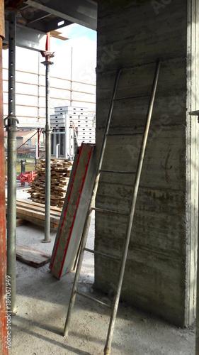 Fotografie, Obraz  Costruire - Cantiere edile e lavori in corso
