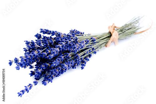 Foto auf AluDibond Kräuter Echter Lavendel Bund gebündelt isoliert freigestellt auf weißen Hintergrund, Freisteller gebunden
