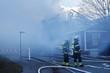 Hamburg Bergedorf. Großfeuer in Asylbewerberunterkunft. Ein Holzhaus abgebrannt