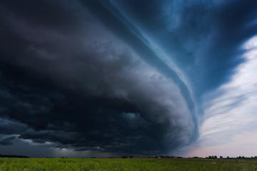 Image of gigantic shelf cloud of aproaching storm taken in Lithuania