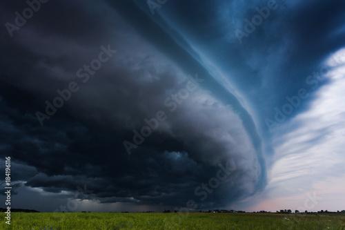 Cuadros en Lienzo Image of gigantic shelf cloud of aproaching storm taken in Lithuania
