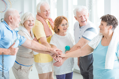 Fotografia, Obraz  Happy senior sports team