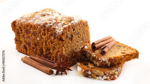 Tuinposter Brood gingerbread cake isolated on white