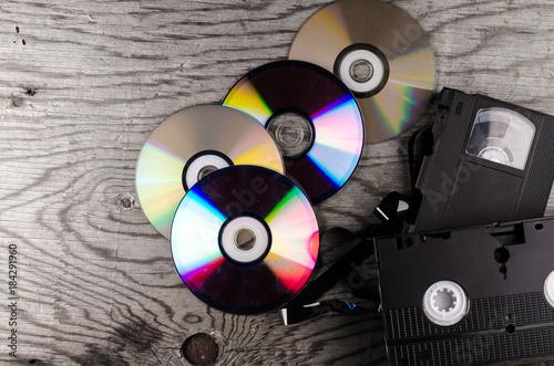 Cuadros en Lienzo  cassettes, discs, background