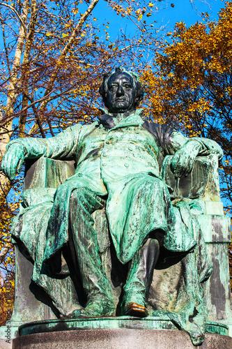 Fotografie, Obraz  Statue of the famous German writer Johann Wolfgang von Goethe outside the Burggarten in downtown Vienna, Austria