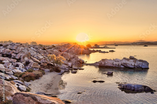 Photo The sunrise in Kolymbithres of Paros, Greece