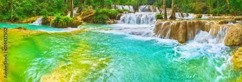 Poster Groene koraal Tat Sae Waterfalls. Beautiful landscape, Laos. Panorama