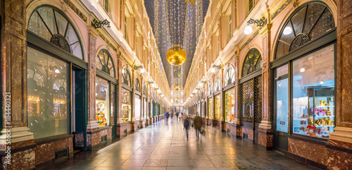 Poster Brussel The historical Galeries Royales Saint-Hubert shopping arcades in Brussels