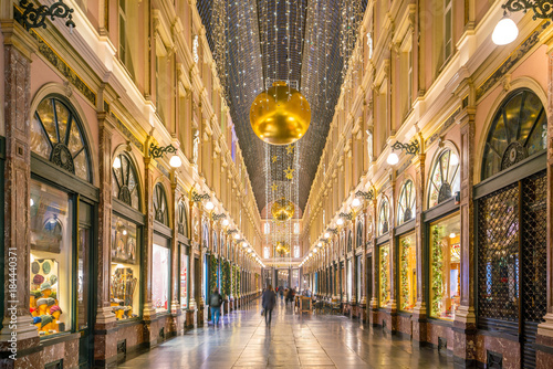 Foto auf Gartenposter Brussel The historical Galeries Royales Saint-Hubert shopping arcades in Brussels