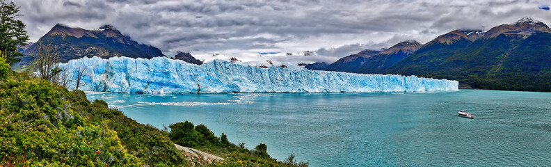 Vessel in front of Perito Moreno Glacier at Los Glaciares National Park N.P. (Argentina)