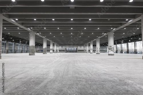 Cuadros en Lienzo interior of empty exhibition place