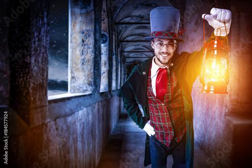 Türaufkleber Phantasie man with lamp and dark night