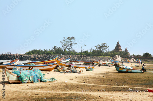 Fischkutter am Mahabalipuram-Strand Fototapeta