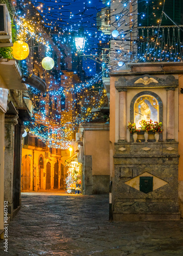 Fotografia The amazing Luci d'Artista (artist lights) in Salerno during Christmas time, Campania, Italy