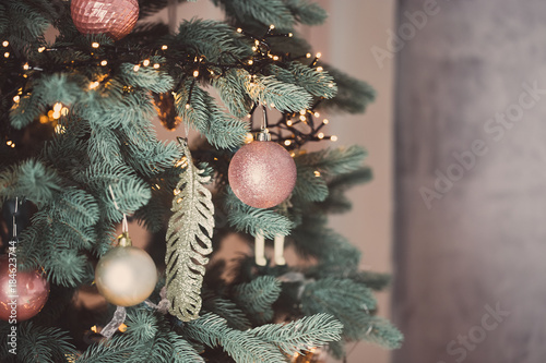 Foto op Canvas Kerstmis Christmas living room with Christmas tree and gifts under it