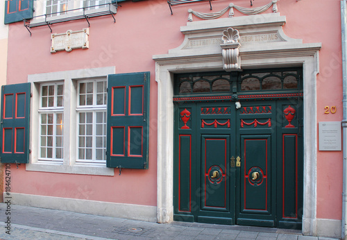 Photo BONN, GERMANY - NOVEMBER 2015: Facade with entrance to the birth house of Ludwig von Beethoven in November 2015 in Bonn