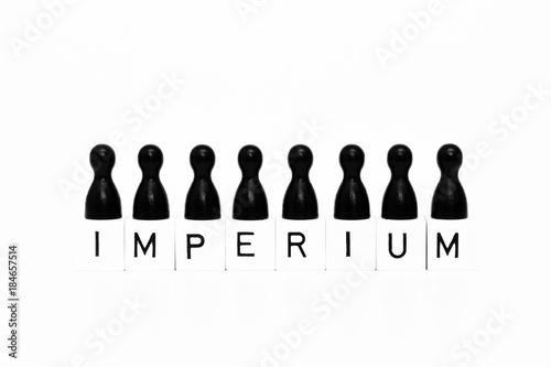 Fotografie, Obraz  Imperium Symbol mit Spielfiguren