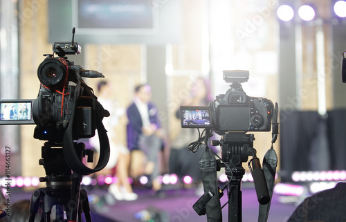 Photo  Video DSLR Camera social network live recording on interview session of contest
