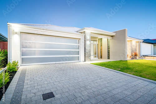 Fotografie, Obraz Front elevation of a modern Australian home in suburban area.