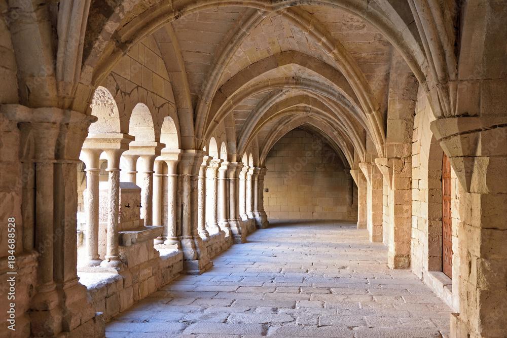 Fototapety, obrazy: Cloister of the monastery of Vallbona de les Monges, Lleida province, Catalonia, Spain