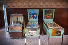 Vintage Pinball And Jukebox