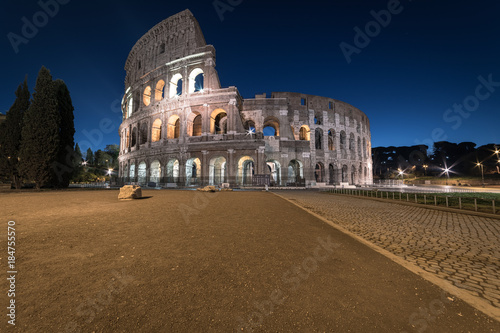 Fotografia, Obraz  Colosseum at twilight, Rome, Italy, Europe