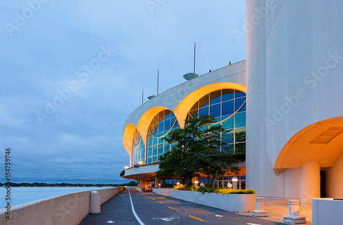 Photo  The Monona Terrace Community and Convention Center at sunrise