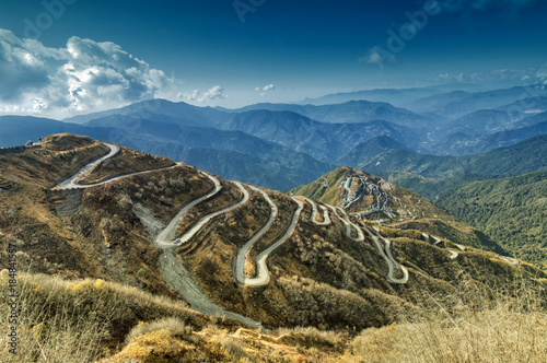 Staande foto India Curvy roads , Silk trading route between China and India