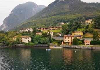 Fototapeta na wymiar Traditional houses in Italy