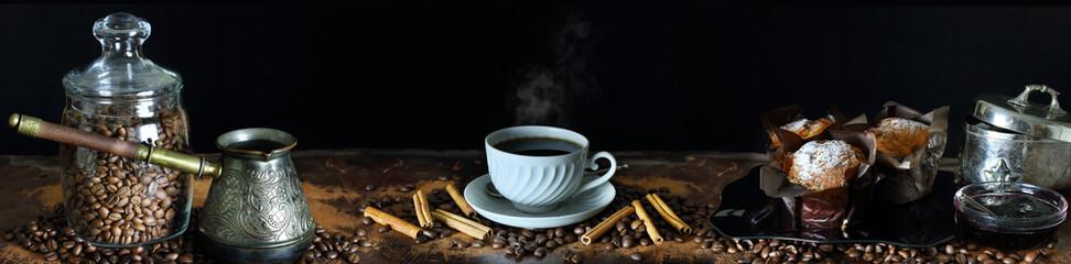 Panorama martwa natura z kawą i dodatkami do posiłków