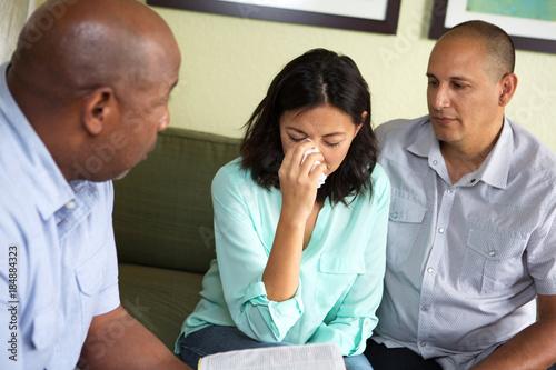 Vászonkép Couple getting marraige counseling.