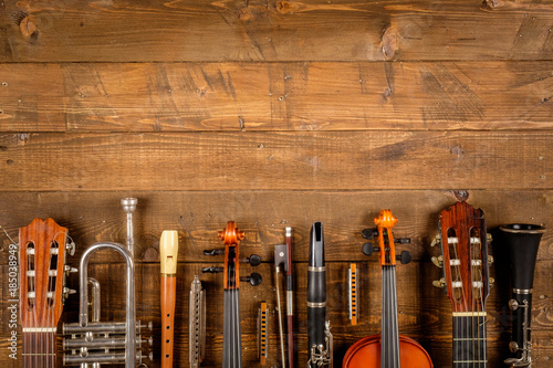 Canvas Print instrument in wood background