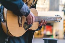 Street Musician / Busker, Play...