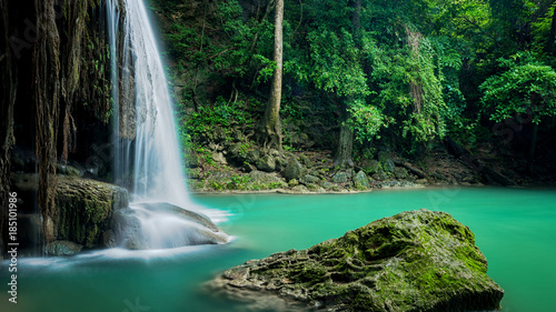 Montage in der Fensternische Wasserfalle Beautiful green waterfall at deep forest, Erawan waterfall located Kanchanaburi Province, Thailand